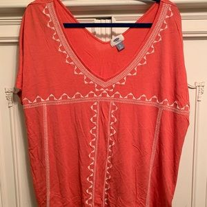 Coral patterned tee